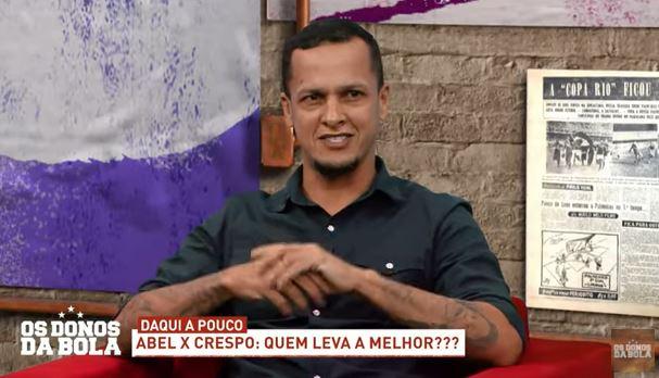 """Souza provoca Velloso antes de clássico: """"Seis Mundiais em campo"""""""