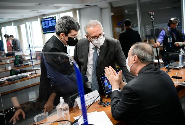CPI da Covid adia leitura e votação do relatório final