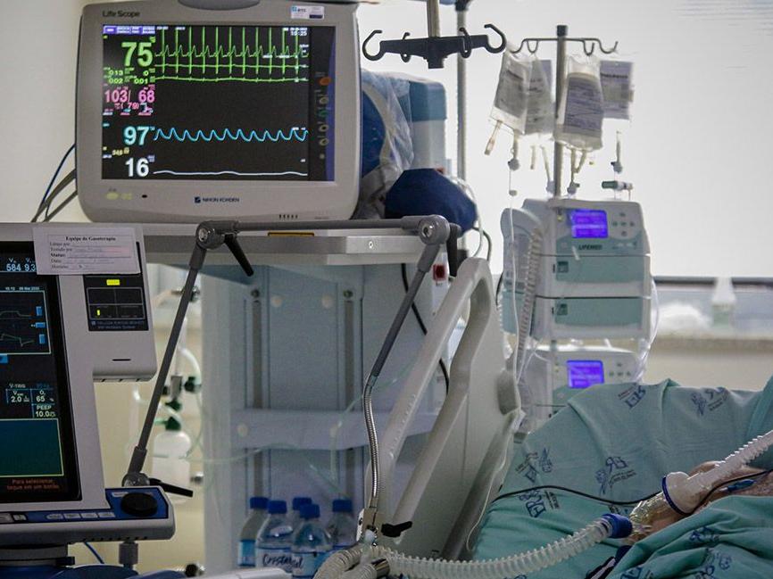 Mônica Bergamo: Hospitais de São Paulo com UTI lotadas despencam de 62% para 2%
