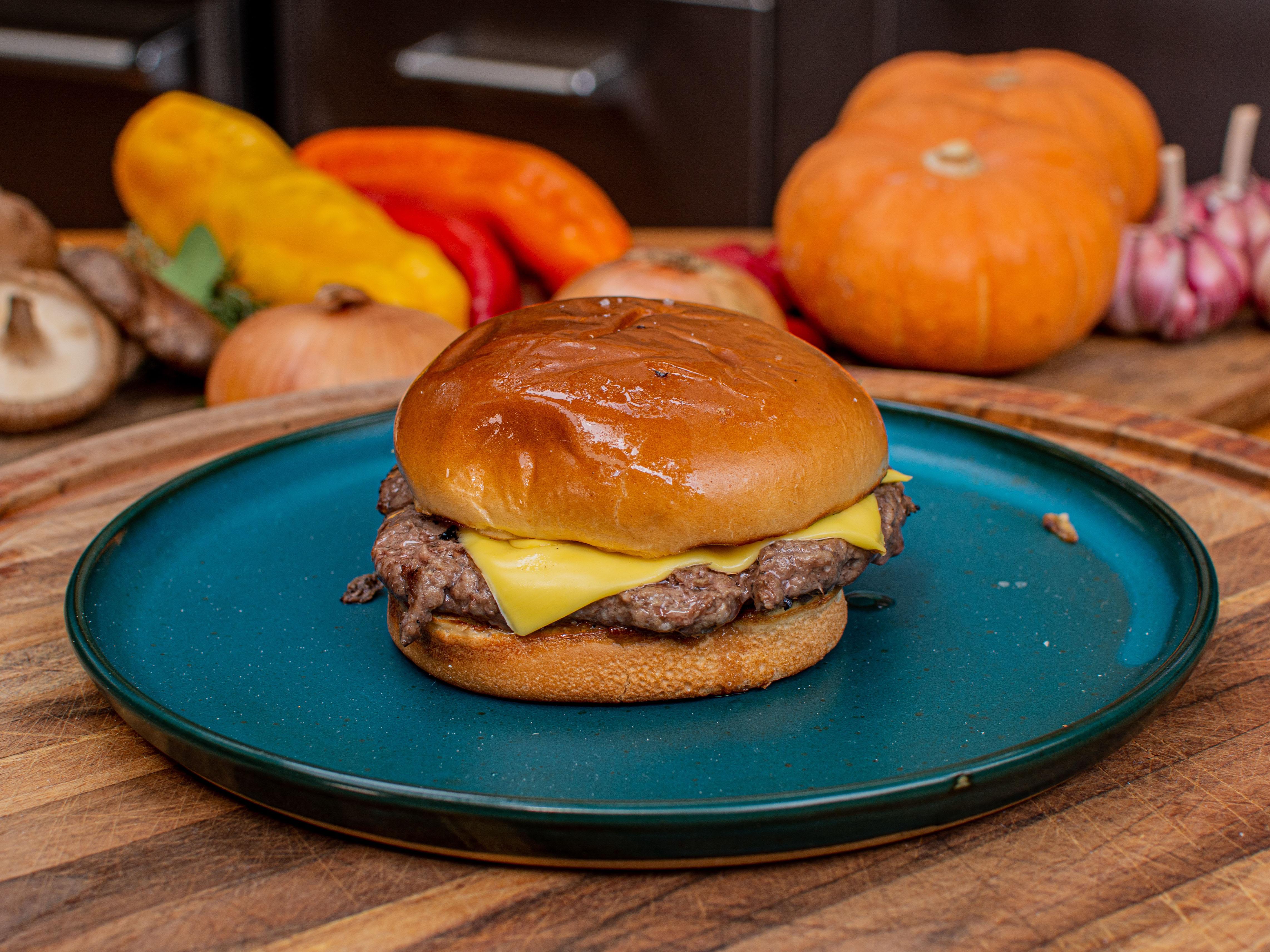 Como fazer hambúrguer caseiro na churrasqueira