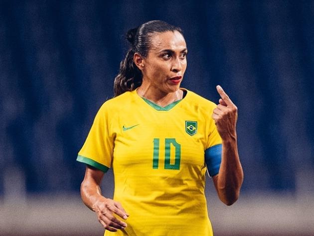 """Marta defende nova geração após queda em Tóquio: """"Pode apontar o dedo para mim"""""""