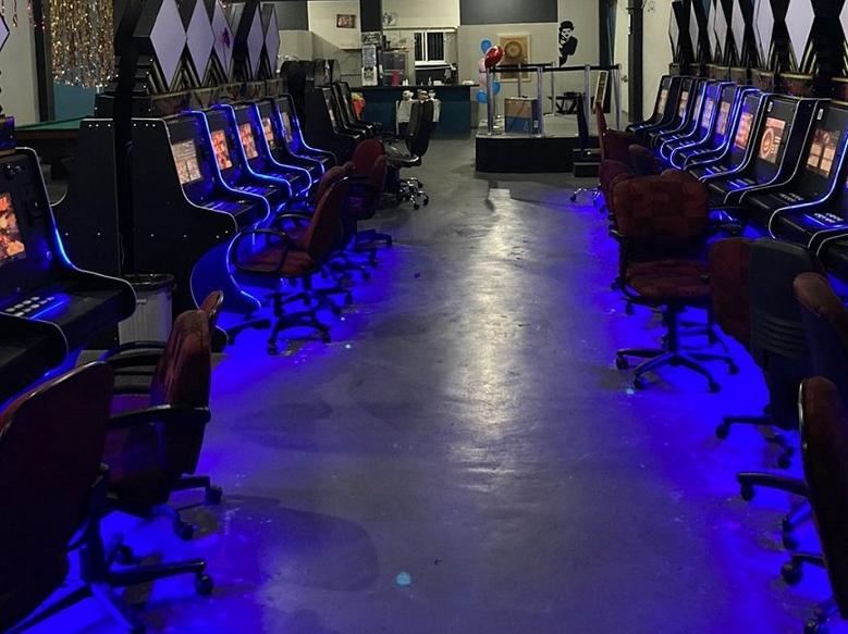 Polícia fecha bingo clandestino na Grande SP e apreende 46 máquinas caça-níqueis
