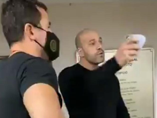 Após ser preso, deputado Daniel Silveira bate-boca com funcionária do IML