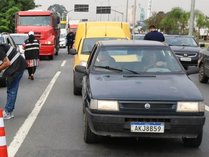 Excesso de velocidade e consumo de álcool estão entre as principais causas de acidentes em Curitiba