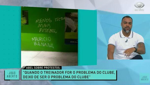 """Renata e Denílson lamentam protestos contra Abel: """"Bem-vindo ao Brasil"""""""
