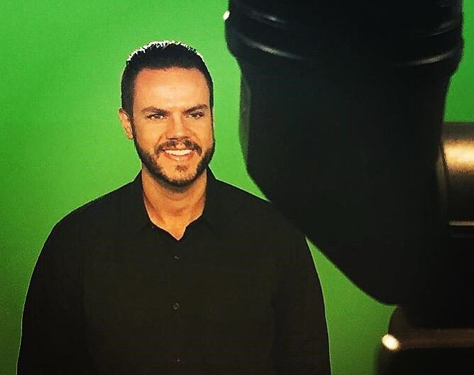 Vinicius Valverde conversa com telespectadores da TV Band Vale em live no instagram nesta quinta-feira (10)
