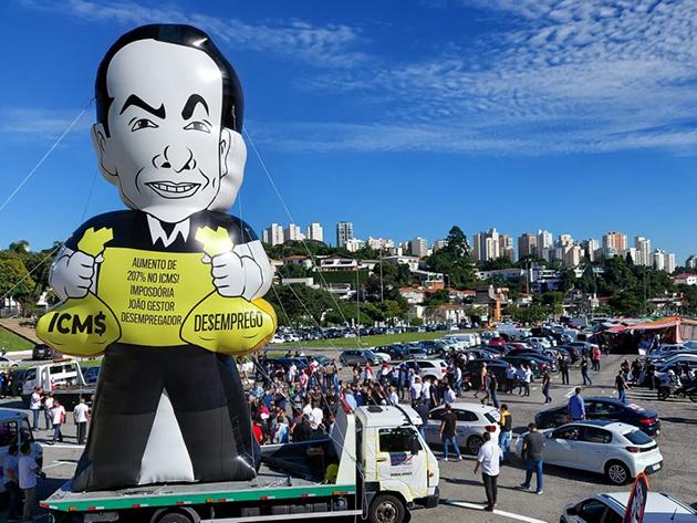 Setor de automóveis protesta contra aumento de 207% do ICMS em SP