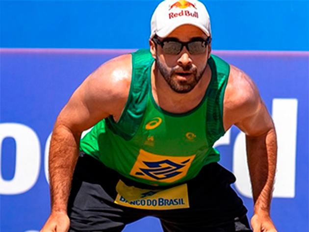 Campeão olímpico Bruno Schmidt é internado com covid-19